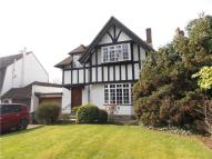 Detached home in Woodfield Close, London