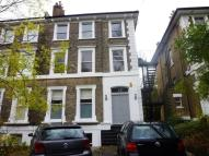 Apartment to rent in Thicket Road, London