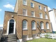 2 bed Maisonette to rent in Peckham Hill Street...