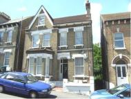 2 bedroom Apartment in Waldegrave Road...