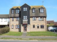 Ground Flat to rent in Frobisher Way...