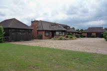 5 bedroom Detached house in Duncombes Road, Coates...