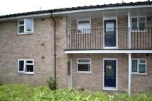 2 bedroom Maisonette in Reynards Close, Tadley