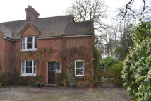 4 bedroom semi detached house for sale in Silchester