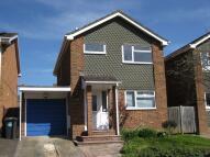 3 bedroom Detached house to rent in Bramshott Drive, Hook...