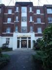 Studio flat to rent in Belsize Grove, London...