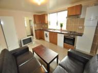 Flat to rent in Ballards Lane, London, N3