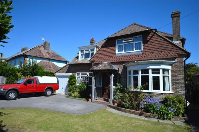 4 bedroom detached house for sale in clovelly road
