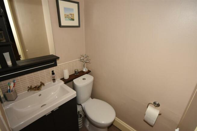 En suite wc wash roo
