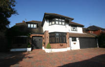 5 bedroom Detached house to rent in Chigwell Rise, Chigwell