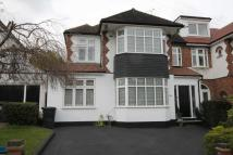 5 bedroom house in Fontayne Avenue, Chigwell