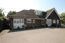 3 bedroom Detached property in Grove Lane, Chigwell