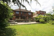 4 bedroom Detached house in Tomswood Road, Chigwell