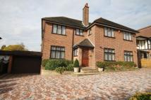 5 bed Detached home to rent in Meadow Way, Chigwell