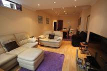 3 bedroom Semi-Detached Bungalow in Tomswood Hill, Ilford