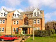 2 bedroom Flat in Close to Town
