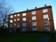 Flat to rent in Kingshaye Road...