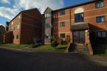Flat to rent in Bullen Close...