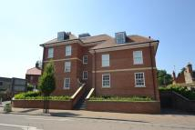 Flat to rent in The Avenue, NEWMARKET...