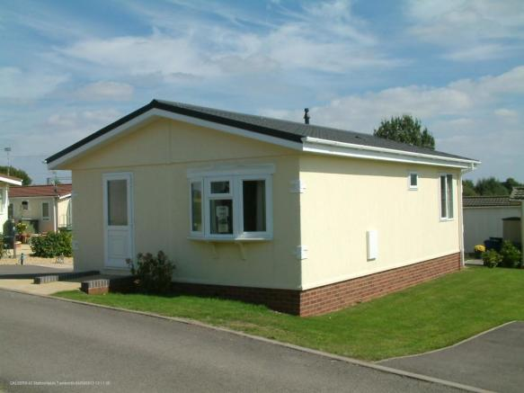 2 bedroom park home for sale in stationfields tamworth b79 7ju b79