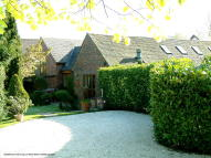 4 bed Barn Conversion in Dog Lane...