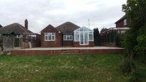2 bedroom Detached Bungalow in Ashby Road, Tamworth...