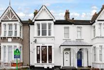 2 bedroom Flat for sale in Aldborough Road South...
