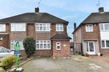 4 bedroom semi detached house in Donald Drive...