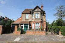 5 bedroom Detached home in Beverley Crescent...