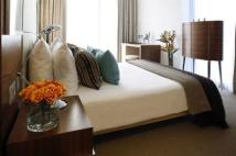 1 bed Flat for sale in Park Plaza County Hall...