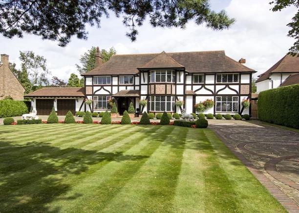 5 Bedroom House For Sale In Park Avenue Farnborough Kent