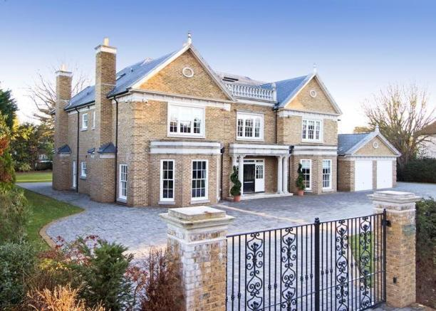 6 bedroom house for sale in sunnydale farnborough park for 6 bedroom house for sale