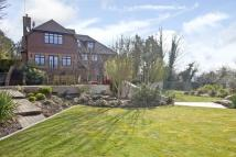 5 bed Detached property in Chelsfield Hill, Kent...
