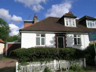 4 bedroom Semi-Detached Bungalow in Brinkley Road...
