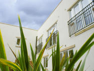2 bed home in Robertson House...