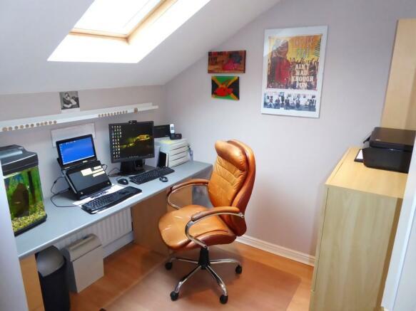 BEDROOM 3 / OFFIC...