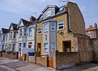 2 bed Detached house in Ethnard Road, London...