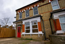4 bed semi detached house in Potters Road, New Barnet...