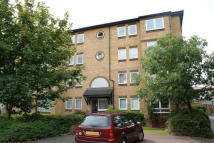 Flat to rent in Chaucer Drive, London...