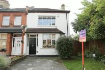 End of Terrace home for sale in Dumbreck Road...