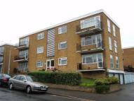 2 bedroom Flat in Hastings Road...