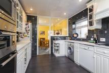 Detached home to rent in VAUGHAN AVENUE HENDON