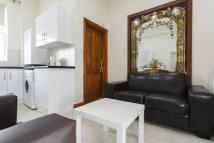 2 bedroom Flat in SUNNY GARDENS ROAD...