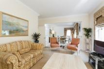 Flat in TURNBERRY CLOSE, HENDON...
