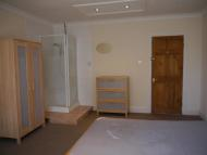 Studio apartment to rent in 99 Southcote Road