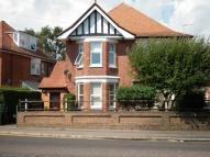 3 bed Flat to rent in Richmond Park Road...