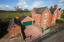 Country House in 5 Betton...