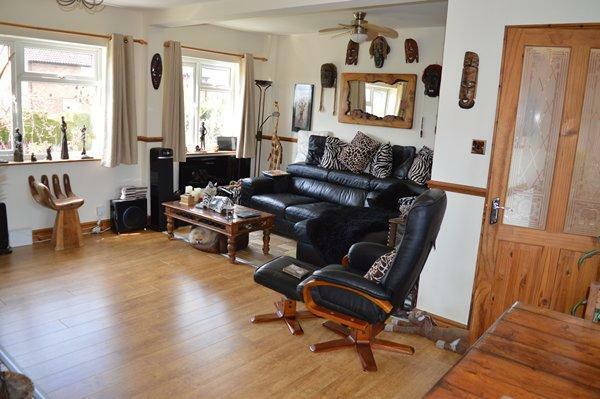 lounge & dining room