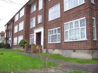 2 bedroom Flat to rent in Wynash Gardens...