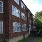 2 bedroom Flat in Wynash Gardens...